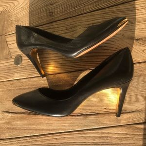 💃🏼Ted Baker London Black Moniirra Leather Pump 7